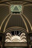 Lux Cinema en el estilo del art déco, centro comercial de gama alta, Galleria San Federico en Turín, Italia imágenes de archivo libres de regalías
