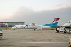 Luxair飞机在城市机场,伦敦 免版税图库摄影