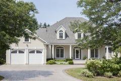 Luxe Amerikaans huis Stock Afbeeldingen