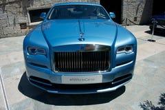luxe lichtblauwe auto van Rolls Royce royalty-vrije stock fotografie