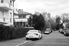 Luxe Volvo S90 D4 in stad wordt geparkeerd die Stock Foto