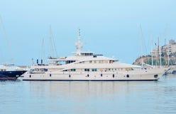 Luxe witte boot Royalty-vrije Stock Afbeeldingen