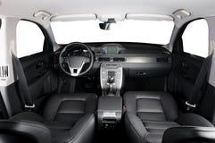 Luxeauto binnen Binnenland van prestige moderne auto Comfortabele leerzetels royalty-vrije stock foto