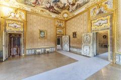 Luxebinnenland in koninklijk de jachtpaleis van Stupinigi stock afbeeldingen