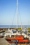 Luxejachten op het dok bij de Dubbelpunt van Puerto van de jachtclub, Costa Royalty-vrije Stock Afbeelding