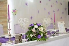 Luxelijst die voor huwelijk plaatsen stock foto