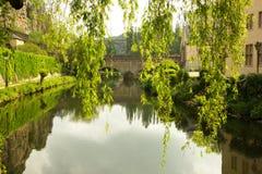 Luxembourg - Alzette flod i Grunden royaltyfri fotografi