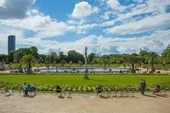 Luxembourg arbeta i trädgården (Jardin du Luxembourg) i Paris Arkivfoto