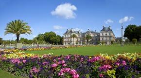 Luxembourg slott i Jardin du Luxembourg i Paris Arkivbilder