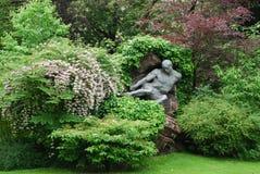 Luxemburg arbeiten in Paris im Garten stockfotografie