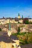Luxemburg beskådar från hög poäng på stadsväggen Royaltyfri Fotografi