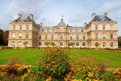 Luxemburg Garden, Paris. Paris, France - September 06, 2011 : Luxemburg Gardens (Jardin du Luxembourg) and the Luxembourg Palace in a cloudy september day Royalty Free Stock Images