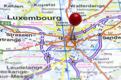Luxemburg miasta czerwień pushpinned Fotografia Stock
