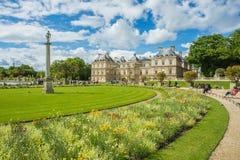 Luxemburgo cultiva un huerto (Jardin du Luxemburgo) en París, Francia fotografía de archivo