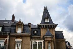 LUXEMBURGO - 30 DE OCTUBRE DE 2015: Arquitectura tradicional de los edificios y de las señales europeos del vintage en Luxemburgo Fotografía de archivo libre de regalías