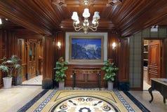 Luxezaal van een magazijnier van de huisdecoratie in de wandelgalerij van stermacalline Stock Foto's