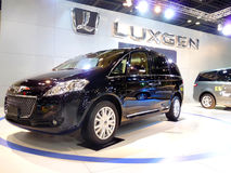 Luxgen SUV su visualizzazione Immagine Stock