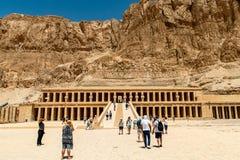 Luxor Egipt 18 05 2018 antykwarska ?wi?tynia ?e?ski pharao Hatchepsut blisko Luxor w Egipt obraz stock
