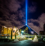 Luxor Hotel and Sky Beam at night - Las Vegas, USA Stock Image