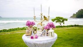Luxry在海滩的婚礼设置 图库摄影