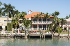 Luxueus herenhuis op Stereiland in Miami Stock Foto