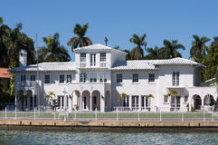 Luxueus herenhuis op Stereiland in Miami Stock Foto's