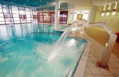 Luxueus hotel zwembad Royalty-vrije Stock Afbeeldingen