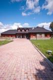 Luxueus huis met aandrijving Royalty-vrije Stock Fotografie