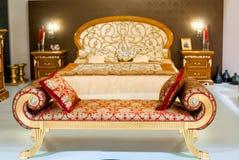 Luxueus meubilair in een slaapkamer Royalty-vrije Stock Afbeeldingen