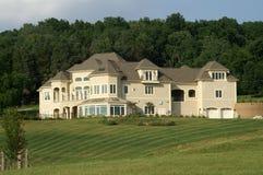 Luxueus uitvoerend huis royalty-vrije stock afbeelding