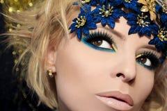 Luxueuze blauwe make-up. Stock Foto's
