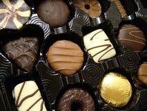 Luxueuze chocolade in dienblad Stock Foto's