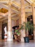 Luxueuze hotelhal Stock Foto's