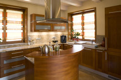 Luxueuze moderne keuken Royalty-vrije Stock Afbeeldingen