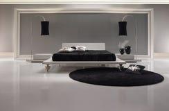 Luxueuze Zwart-witte Slaapkamer royalty-vrije stock foto