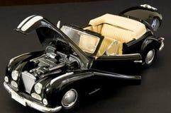 Luxueuze zwarte retro klassieke auto Royalty-vrije Stock Fotografie