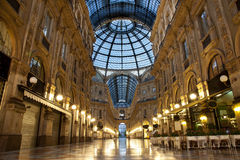 luxuous galleriamilan shopping Royaltyfri Foto