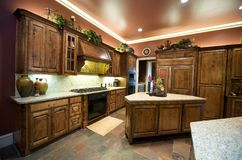 Luxuriös verzierte Küche Stockfotografie