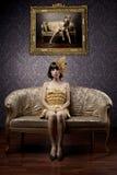 Luxuriöse bezaubernde Baumuster im Gold Stockfotos