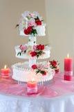 Luxuriöse Hochzeitstorte Lizenzfreies Stockbild