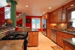 Luxuriöse moderne Küche Stockfotografie
