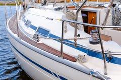 Luxuriöse moderne Yacht Stockfotografie