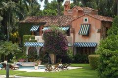 Luxuriöse Villa Stockfotografie