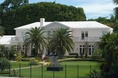 Luxuriöse Villa lizenzfreie stockbilder