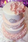 Luxuriöser Hochzeitsfestkuchen Stockbild