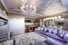 Luxuriöser Innenraum des Hauses Lizenzfreie Stockfotos