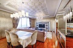 Luxuriöser Innenraum des Hauses Stockfoto