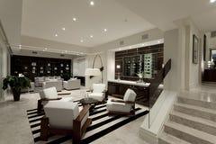 Luxuriöser livng Raum mit zwei Bereichen Stockbilder