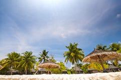 Luxuriöser tropischer Strand in Malediven Lizenzfreie Stockbilder