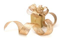 Luxuriöses Geschenk getrennt auf weißem Hintergrund Stockbilder